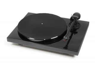 Pro-Ject  1Xpression Carbon + 2M-RED